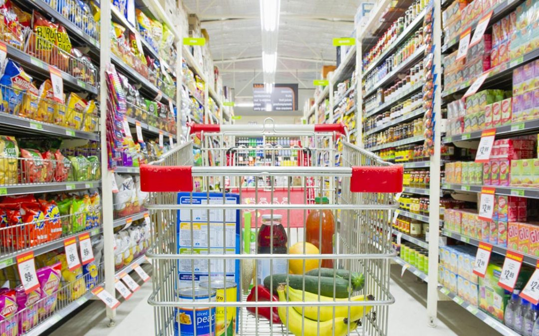 Shoppers Look for Salvage Food Stores