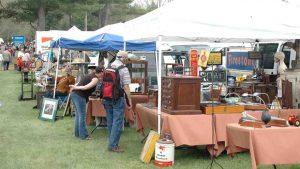 organize your flea market booth