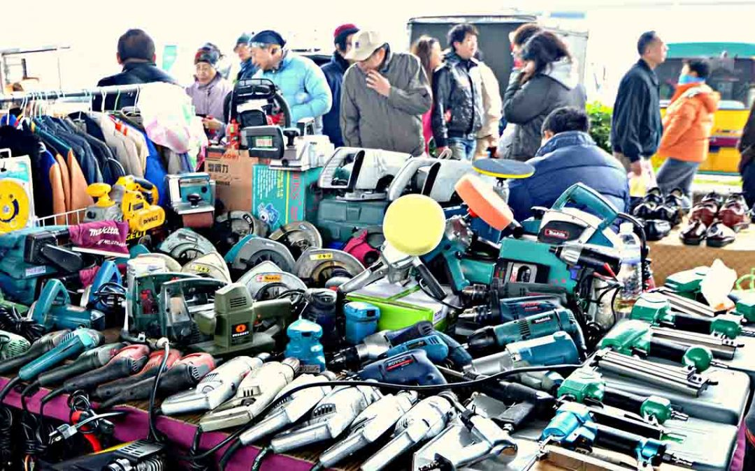 How to Gain (and Retain) Flea Market Shoppers